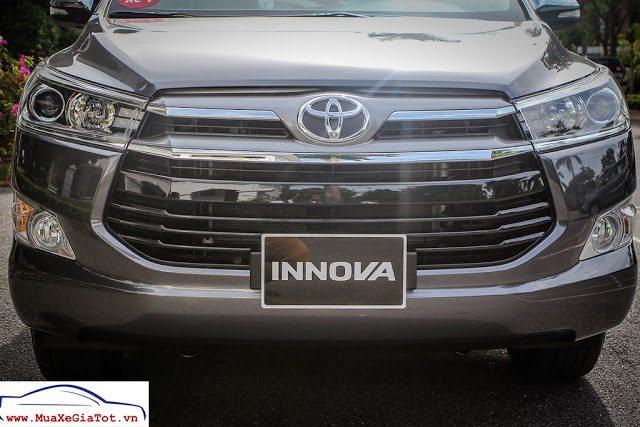 Gia Xe Toyota Innova 2018 20V 3 So sánh xe 7 chỗ Toyota Innova và Chevrolet Captiva