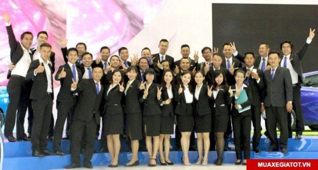 Toyota Hùng Vương chi nhánh Tân Tạo nhân viên công ty