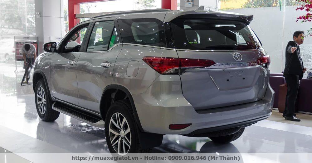 toyota fortuner 2017  img1630 092259 1 Cải tiến vượt bậc của Toyota Fortuner 2017