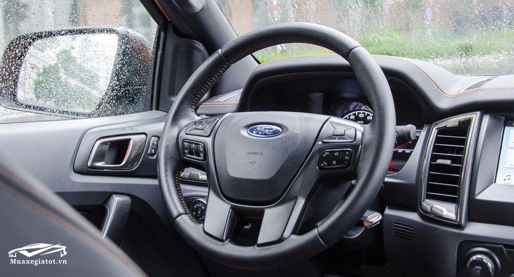 Ford Ranger 2018 vô lăng tích hợp nút điều chỉnh âm thanh