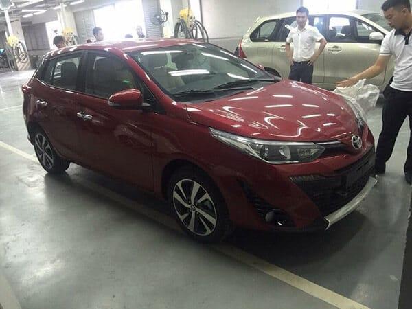 """hong xe toyota yaris 2018 muaxegiatot vn Đánh giá xe Toyota Yaris 2021 mới """"Xe đẹp cho phái đẹp"""""""