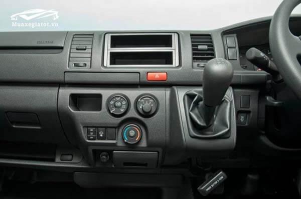 xe 16 cho toyota hiace 2018 muaxegiatot vn 14 Đánh giá Toyota Hiace 2021 kèm giá bán #1