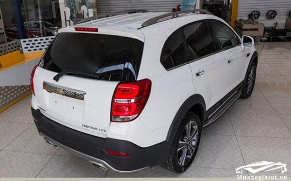 Chevrolet-Captiva-Revv-2017-2018-Duoi-xe-muaxegiatot-vn-768x480