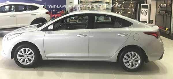 hong xe hyundai accent 2018 14 mt base muaxegiatot vn So sánh Hyundai Accent MT và Vios E MT 2021 mới