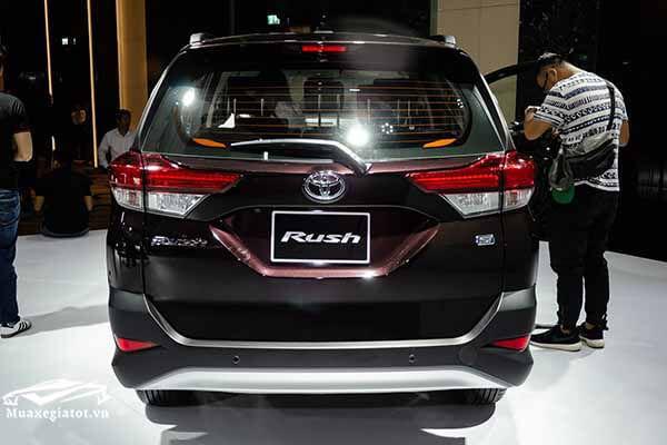 duoi xe toyota rush 15 at 2018 2019 muaxegiatot vn 21 Đánh giá xe Toyota Rush 2021 kèm giá bán khuyến mãi #1