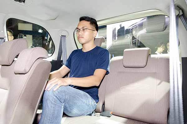 ghe thu ba toyota avanza 15 at 2018 2019 muaxegiatot vn 16 Đánh giá Toyota Avanza 2021 kèm giá bán #1