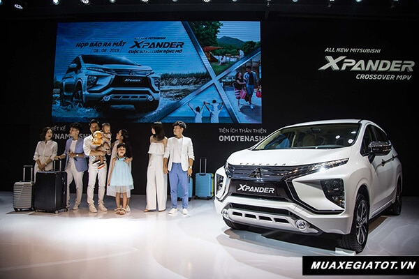 gioi thieu mitsubishi xpander 2018 2019 muaxegiatot vn 3 So sánh xe 7 chỗ Toyota Innova và Xpander AT 2021