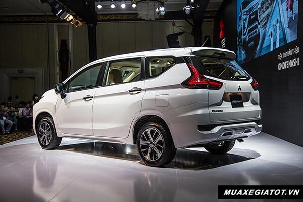 hong xe mitsubishi xpander 2018 2019 muaxegiatot vn 4 So sánh xe 7 chỗ Toyota Innova và Xpander AT 2021