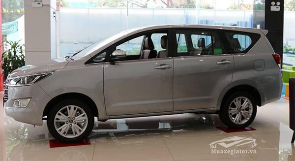 hong xe toyota innova 2 0 v 7 cho muaxegiatot vn 14 Toyota Innova 2021 có xe máy dầu không?