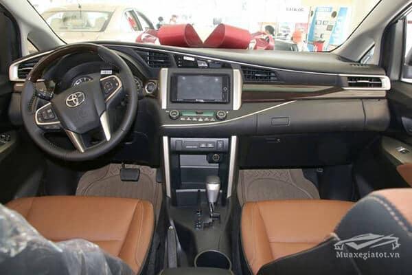 noi that toyota innova 2 0 v 7 cho muaxegiatot vn 10 Toyota Innova 2021 có xe máy dầu không?