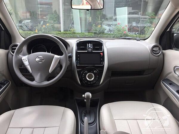 Nội thất xe Nissan Sunny 2019 (Ảnh : Mua Xe Nhanh)
