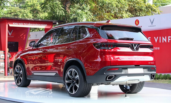 duoi-xe-vinFast-lux-sa20-2019-suv-muaxegiatot-vn-9-