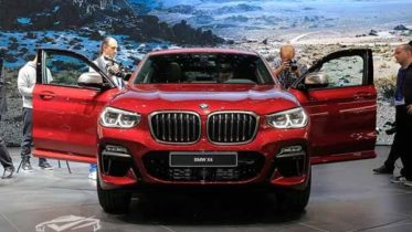 gia-xe-bmw-x4-2019-muaxenhanh-vn-1