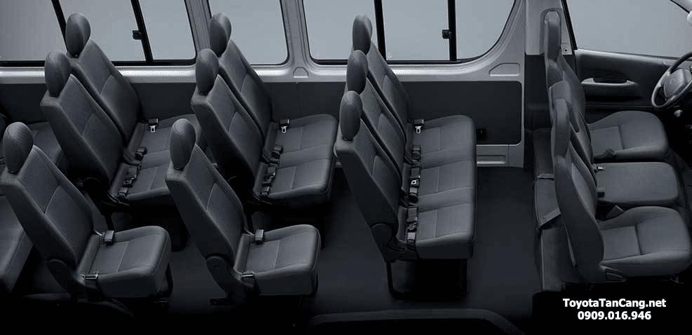 toyota hiac 2015 toyota tan cang 6 Chọn xe 16 chỗ Toyota Hiace hay Ford Transit 2021?