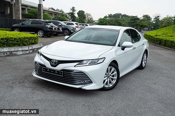 gia xe toyota camry 20g 2019 2020 muaxegiatot vn 30 Nên mua Toyota Camry 2021 hay Honda Accord 2021?
