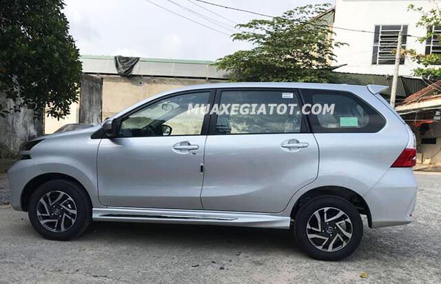 hong xe toyota avanza 15at 2019 2020 muaxegiatot com Đánh giá Toyota Avanza 2021 kèm giá bán #1