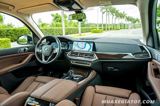 Khoang nội thất xe Ô tô BMW X5 2020 được ứng dụng nhiều vật liệu cao cấp.