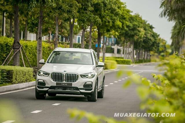 Vào ngày 6/7/2019 vừa qua, thị trường xe hơi Việt Nam đã xôn xao trước sự ra mắt của BMW X5 2020 - dòng xe thuộc thế hệ mới (G05).