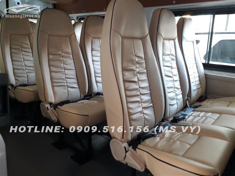 noi that xe 16 cho ford transit 2018 muaxegiatot vn 4 Nên mua xe Ford Tourneo hay Ford Transit chạy dịch vụ?