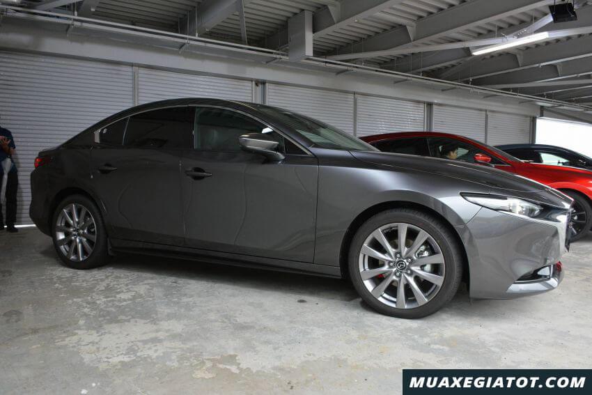 ban sedan mazda 3 2020 ra mat malaysia Xetot com 15 Đánh giá xe Mazda 3 2021 kèm giá bán khuyến mãi #1