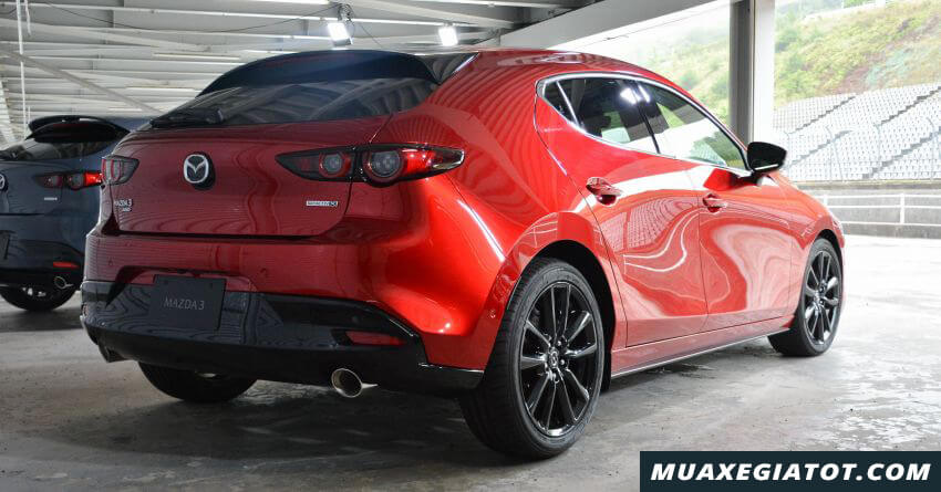hong-xe-hatchback-mazda-3-2020-ra-mat-malaysia-Xetot-com-2