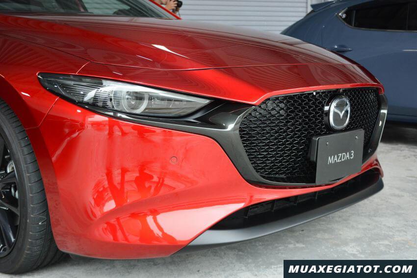 luoi tan nhiet mazda 3 2020 ra mat malaysia Xetot com 7 Đánh giá xe Mazda 3 2021 kèm giá bán khuyến mãi #1
