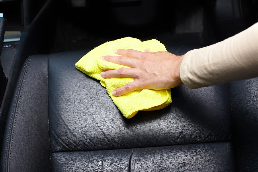 ve sinh noi that oto tai nha 2 Quy trình 6 bước vệ sinh nội thất ô tô tại nhà đơn giản nhất
