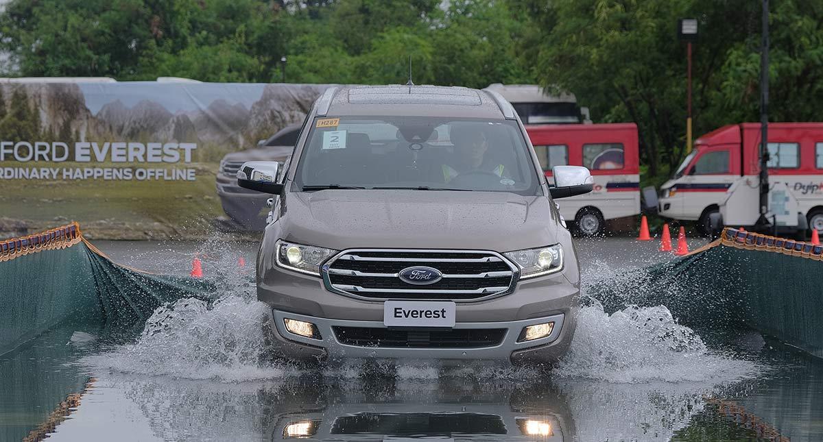 gia xe ford everest 2020 ra mat philiphine muaxegiatot com Đánh giá Ford Everest 2021, SUV đầy ắp công nghệ & off-road đỉnh cao