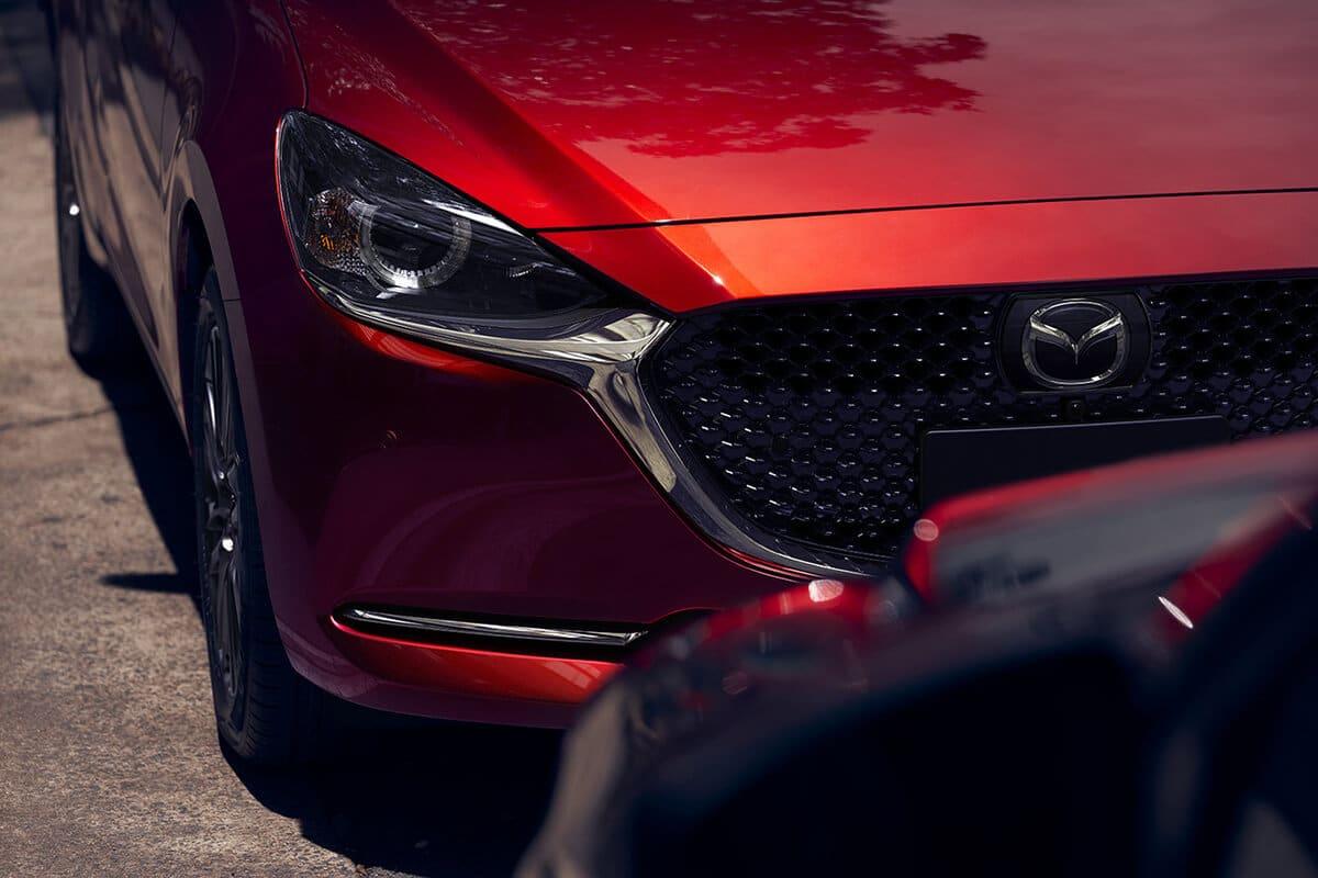 den xe mazda 2 2020 facelift muaxegiatot com Chi tiết xe Mazda 2 2021 Facelift, nhiều thay đổi đáng ghi nhận