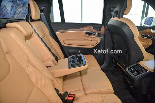 hang ghe thu hai volvo xc90 2020 facelift xetot com Đánh giá xe Volvo XC90 2021: Đơn giản, tinh tế và sang trọng