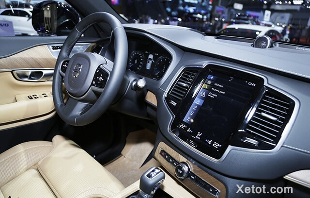 tien nghi volvo xc90 2020 facelift xetot com Đánh giá xe Volvo XC90 2021: Đơn giản, tinh tế và sang trọng