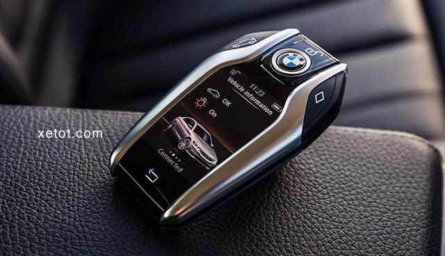 """chia khoa thong minh bmw 520i 2020 muaxegiatot vn Đánh giá xe BMW 520i 2021, """"Tuyệt tác thiết kế"""""""