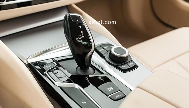 """hop so bmw 520i 2020 muaxegiatot vn Đánh giá xe BMW 520i 2021, """"Tuyệt tác thiết kế"""""""