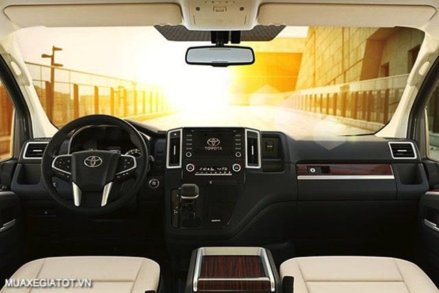 cabin xe toyota granvia 2021 truecar vn Đánh giá Toyota Granvia 2021: Thiết kế, động cơ và tính năng vận hành