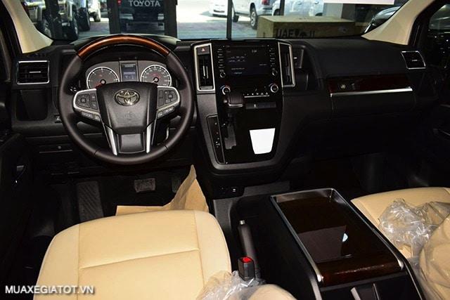 tien nghi xe toyota granvia 2021 truecar vn Đánh giá Toyota Granvia 2021: Thiết kế, động cơ và tính năng vận hành