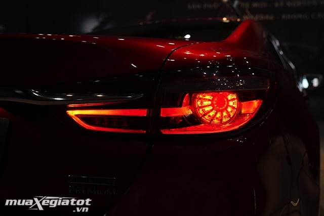 """den hau mazda 6 2020 2021 sedan muaxegiatot vn 30 Đánh giá xe Mazda 6 2021 - Đe dọa """"ngôi vương"""" của Toyota Camry"""