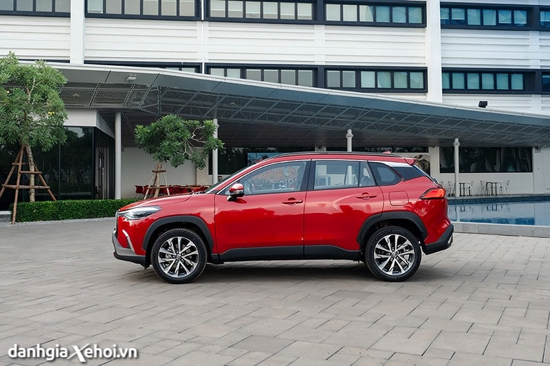 Than-xe-Toyota-Corolla-Cross-2020-2021-1-8V-truecar-vn-2