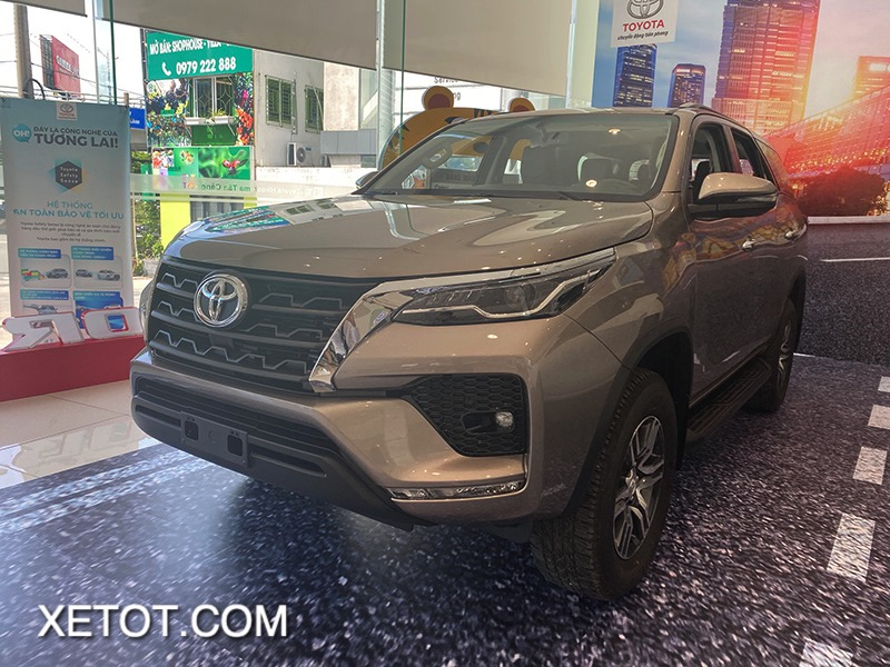 gia-xe-toyota-fortuner-2021-toyota-tan-cang-truecar-vn-3-1