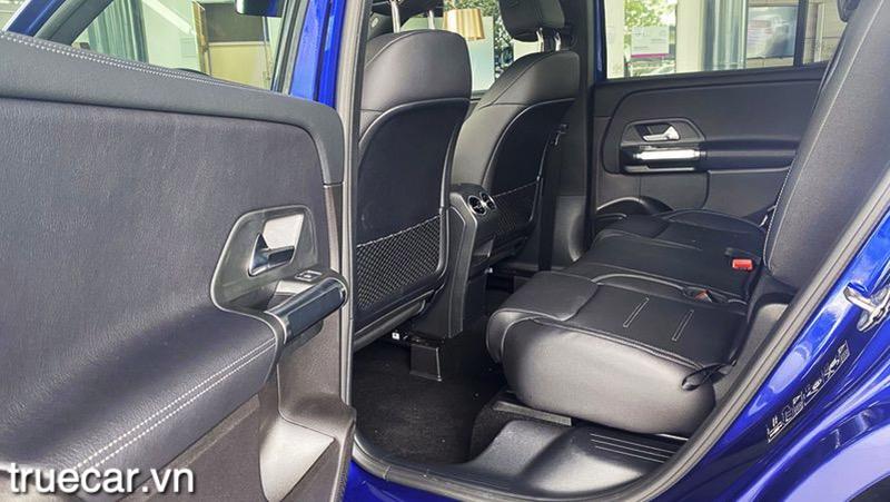 hang ghe thu 2 mercedes glb 200 2021 amg truecar vn Đánh giá xe Mercedes GLB 200 AMG 2021, Xe 7 chỗ hạng sang giá dưới 2 tỷ