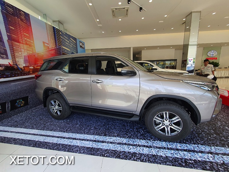 than-xe-toyota-fortuner-2021-toyota-tan-cang-truecar-vn-12-1