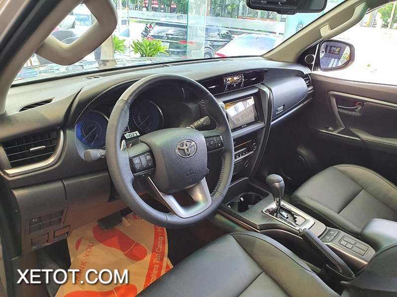 vo-lang-xe-toyota-fortuner-2021-toyota-tan-cang-truecar-vn-13-1