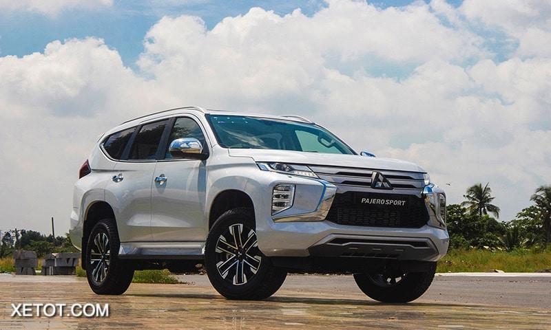 gia xe mitsubishi pajero sport 2020 2021 xetot com blog Đánh giá xe Mitsubishi Pajero Sport 2021 giá từ 1,11 tỷ đồng