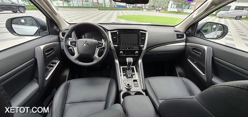 khoang lai xe mitsubishi pajero sport 2020 2021 xetot com blog Đánh giá xe Mitsubishi Pajero Sport 2021 giá từ 1,11 tỷ đồng