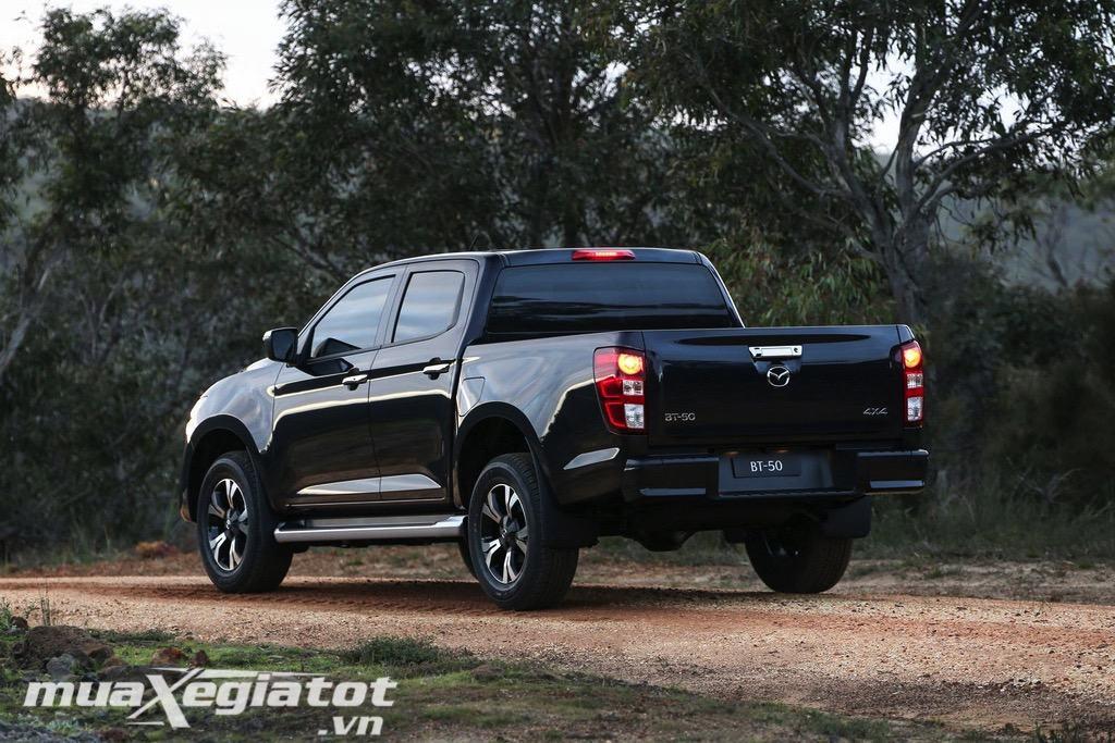 Duoi-xe-Mazda-BT-50-2021-TrueCar-vn