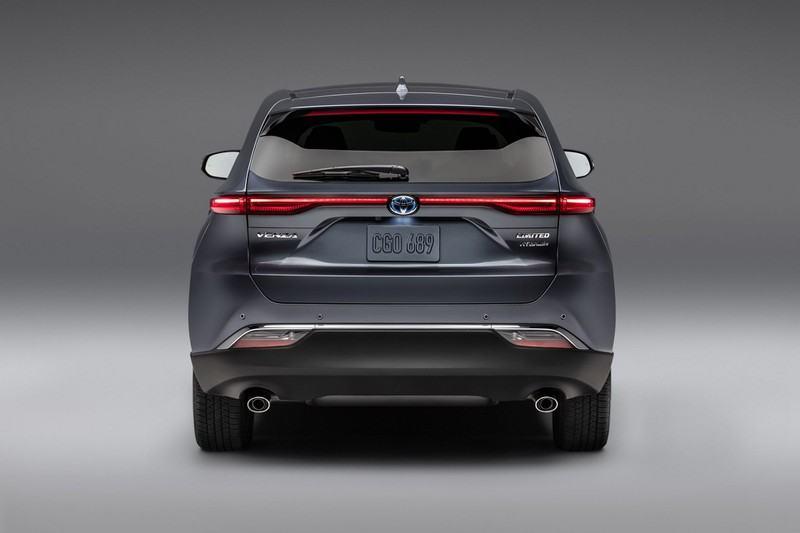 duoi xe toyota venza 2021 muaxegiatot vn Chi tiết Toyota Venza 2021, Diện mạo mới động cơ mới