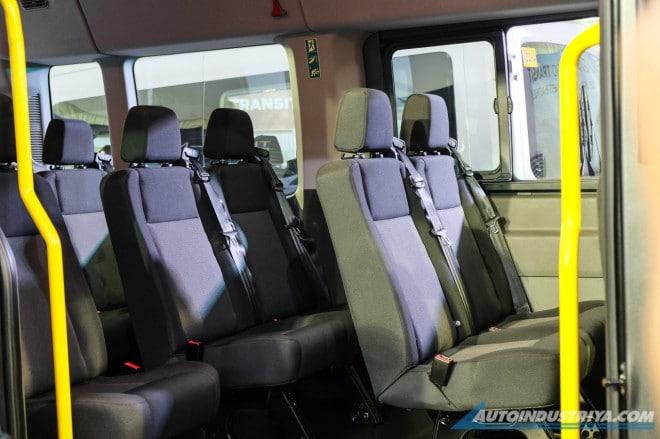 hang ghe thu 2 Ford Transit 2021 ra mat philiphine xetot com Đánh giá xe Ford Transit 2021 bản mới sắp ra mắt có gì nổi bật?