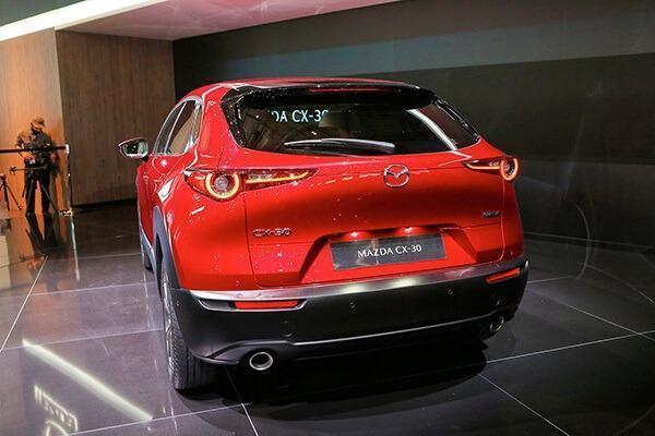 duoi xe mazda cx 30 2021 truecar vn Đánh giá xe Mazda CX30 2021, SUV cỡ B dành cho đô thị