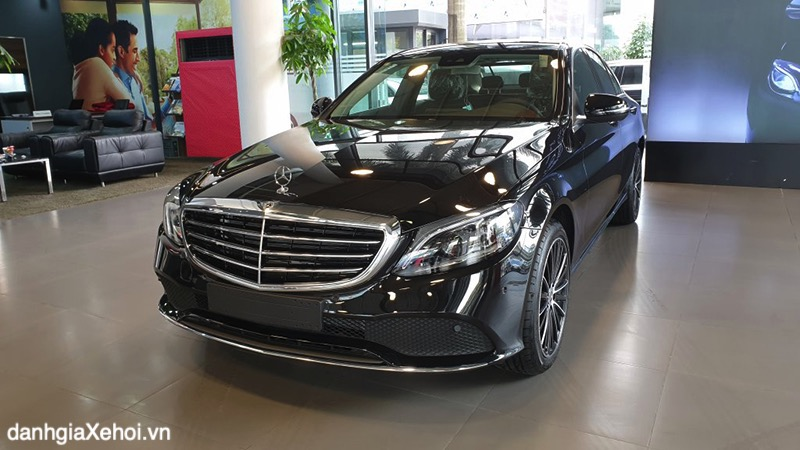 dau xe mercedes c200 exclusive 2021 danhgiaxehoi vn 800x450 1 Đánh giá Mercedes C Class 2021, Mẫu sedan bán chạy nhất của Mercedes