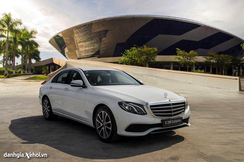 gia xe Mercedes E200 Exclusive 2022 danhgiaxehoi vn 1024x683 1 Đánh giá xe Mercedes E200 Exclusive 2022: Phiên bản thay thế cực chất lượng cho E200 Sport