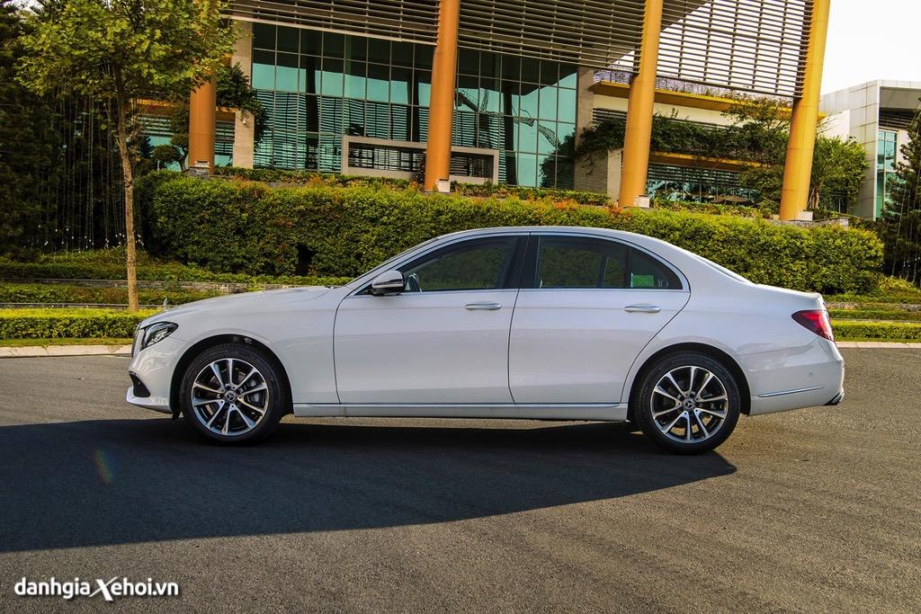 mam xe Mercedes E200 Exclusive 2022 danhgiaxehoi vn 1024x683 1 Đánh giá xe Mercedes E200 Exclusive 2022: Phiên bản thay thế cực chất lượng cho E200 Sport
